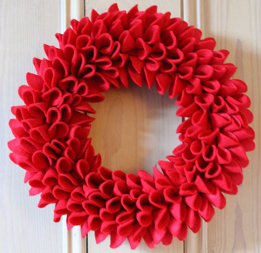 Let 39 s make a christmas wreath von haus for How to make christmas door wreaths