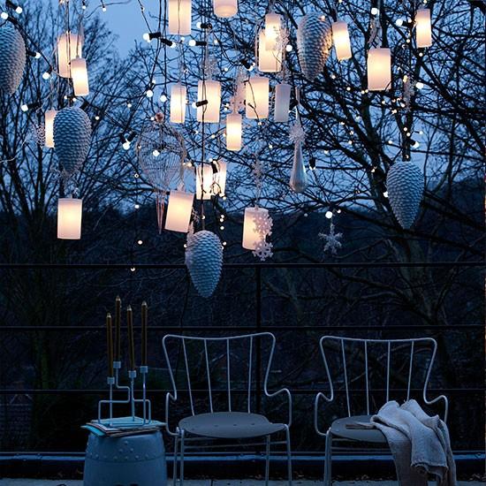 hanging-lanterns-10-best-christmas-outdoor-lights-housetohome